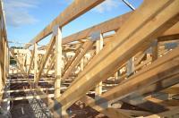Wenn es um kompexe Dachtragwerke geht, sind Nagelplattenbinder erste Wahl. Foto: Achim Dathe für KRUG/GIN, Ostfildern; www.nagelplatten.de