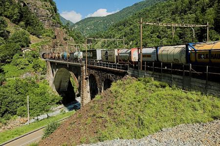 Neue Verkehrs- und Logistikprodukte in TRANSITECTS