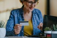 """Senioren im Verbraucheralltag: Baby Boomer beraten die """"Generation Silent"""""""