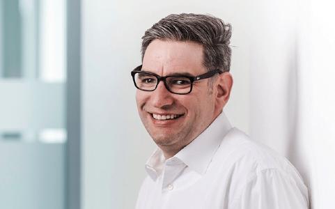 Bernd Hüffer, Director Modern Workplace bei Net at Work, betont die Notwendigkeit zu dediziertem Change Management bei der Einführung von Office 365