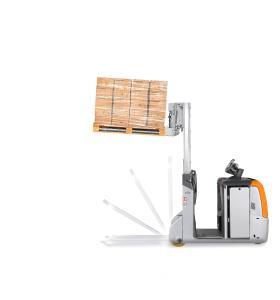 Die Gabeln des STILL LTX-FF lassen sich per Knopfdruck ausklappen und verwandeln den Schlepper in Sekundenschnelle in einen Stapler