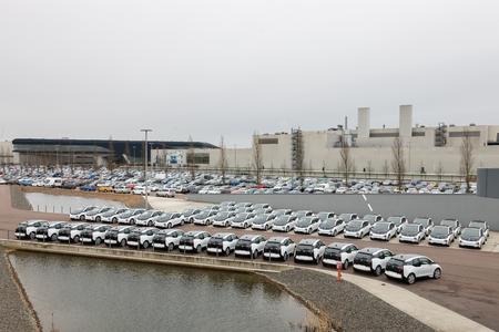 50 BMW i3 vor Ihrer Übergabe an die Stadt Leipzig