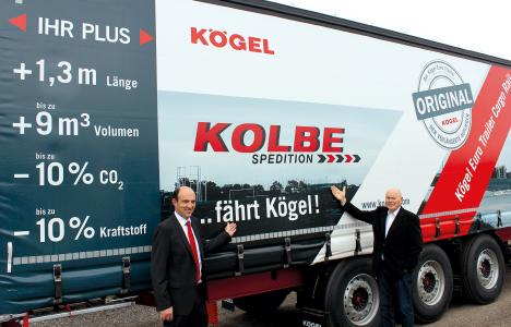 from left to right: Thomas Eschey, managing director of Kögel, and Karl Thiel, managing director of Kolbe