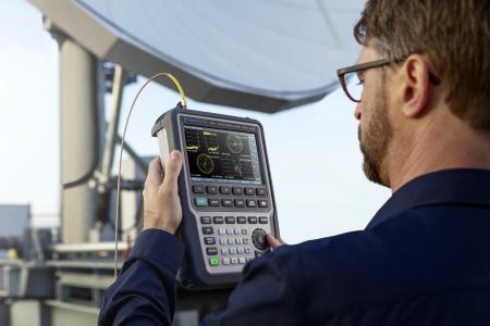 Rohde & Schwarz presents new handheld vector network analyzer up to 26.5 GHz