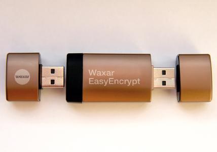 Waxar  EasyEncrypt  enthält  zwei  USB-Sticks  in  einem: