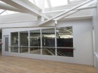 Innenausbau einer Industriehalle mit TIXIT Trennwandsystemen (Foto: TIXIT Bernd Lauffer GmbH & Co. KG )