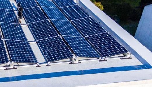 Solarreinigung auf Flachdach