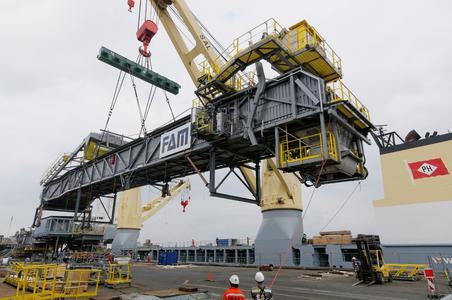 Großkomponenten von Bremen nach Kolumbien verladen