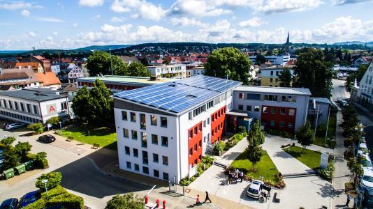 Photovoltaik auf dem Landratsamt in Forchheim (© iKratos)