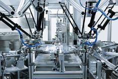 Die Mischung macht's: Oft ist die energieeffizienteste Lösung eine Mischung aus der elektrischen und pneumatischen Antriebstechnologie wie bei vielen einbaufertigen Handhabungssystemen von Festo. (Foto: Festo)