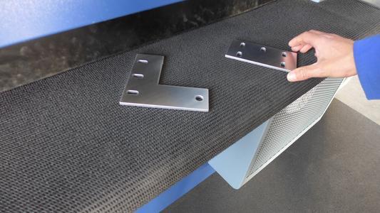 Bild 8: Saubere und verrundete Teile können sicher manuell aufgenommen werden