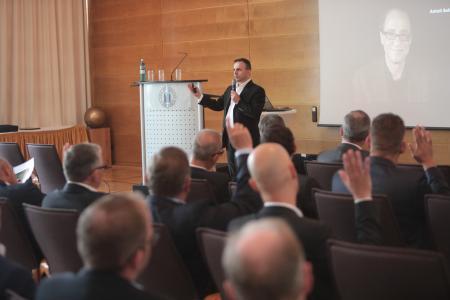 Der Vortrag von Dr. Pero Micic, Zukunftsmanager und Vorstand der FutureManagement Group AG begeisterte das Publikum