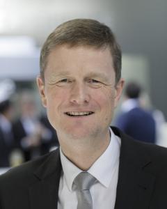 Kai Acker ist Vorsitzender der Geschäftsführung bei der KHS-Gruppe