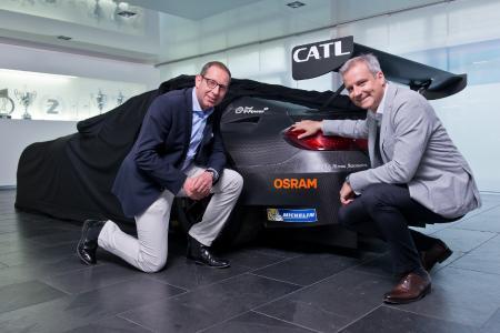 Stefan Kampmann, Technikvorstand bei OSRAM, Jens Marquardt, BMW Motorsport Direktor