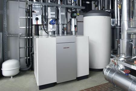 Ein weiteres Kraftpaket aus dem Hause STIEBEL ELTRON: Die neue Sole-Wasser-Wärmepumpe WPF 35 komplettiert das Angebot der Groß-Erdreichwärmepumpen