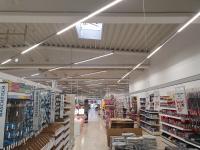 Auch für das Personal der EGN Baucenter ist das neue Licht deutlich angenehmer. So ermüden die Augen nicht mehr so schnell, Foto: EGN-Gruppe, Andreas Kunze-Voß