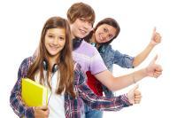 Für junge Menschen sind die Eltern bei der Lehrlingsausbildung und Berufsorientierung wichtige Gesprächspartner © Designed by Pressfoto / Freepik