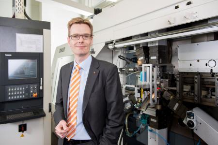 Dr. Jan Stefan Michels vertritt Weidmüller im Arbeitskreis des Zentralverbands der Elektroindustrie beim Thema 5G und ist von den Vorteilen für die Industrie überzeugt