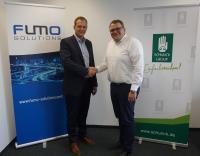 Florian Janz (links), Geschäftsführer FUMO Solutions GmbH, und Thomas Wicke (rechts), Geschäftsführer der SCHUNCK GROUP, bei der Unterzeichnung der Kooperationsvereinbarung