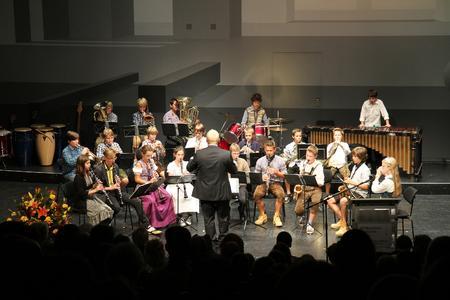 Die Bläserklasse vom Obermenzinger Gymnasium gab Filmmusik zum Besten