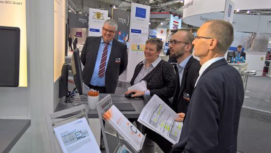IT-Staatsekretärin Sabine Smentek informierte sich bei codia auf der CeBIT 2017 über elektronisches Dokumentenmanagement mit mobilen Lösungen / codia Software GmbH