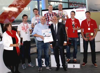 Siegerehrung mit Kögel Inhaber Ulrich Humbaur und Kögel Geschäftsführerin Petra Adrianowytsch