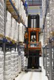 Die zwei errichteten Logistikhallen sind speziell auf die Lagerung von PVC-Produkten und Polypropylen-Kunststoffgranulaten sowie Gefahrstoffen ausgelegt / Foto: GREIWING