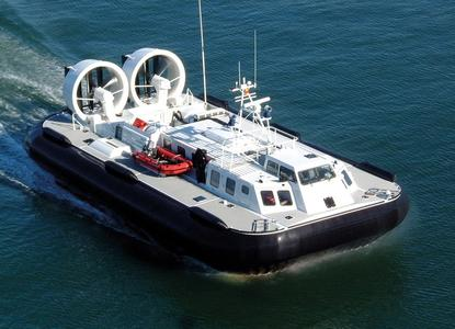 The giant hovercrafts of Griffon Hoverwork each have two propellers and fans, which are driven by Syncrochain Carbon timing belts from ContiTech / Photo: Griffon Hoverwork