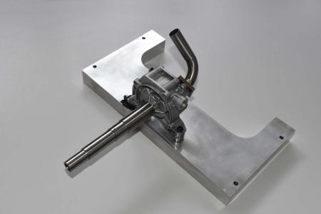 Integriert ist eine volumenstromvariable Zahnradpumpe aus dem Automotive-Bereich / Bildnachweise: Fachhochschule Südwestfalen und ACE Stoßdämpfer GmbH