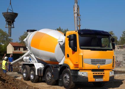 Premium Lander 8x4 kl: Als 8x4 Version erhältlich ? der Renault Premium Lander