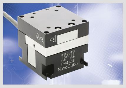 The nanopositioning system is suitable for travel ranges of up to 100 x 100 x 100 µm. The system is driven by piezo actuators and achieves resolutions of up to 0.2 nm at response times in the millisecond range (Photo: PI)