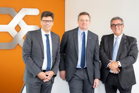 Der Vorstand der Weidmüller Gruppe um Volker Bibelhausen, Jörg Timmermann und José Carlos Álvarez Tobar (v.l.n.r.) ist mit dem Jahr 2018 sehr zufrieden, rechnet aber für 2019 mit einer geringeren Dynamik