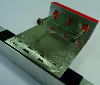 Tragekonsole mit patentierter thermischer Entkopplung aus feuerververzinktem, hochfestem Stahl