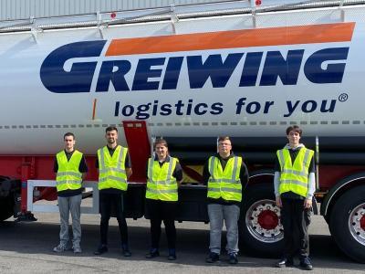 Zum Start in das Berufsleben heißt GREIWING in diesem Jahr 17 neue Auszubildende willkommen, fünf von ihnen am Standort Duisburg. (Foto: GREIWING logistics for you GmbH)