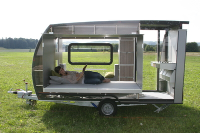 """Zukunftsweisende Caravan-Technologie auf der ZOW: Der Ultralight-Camper """"Cross-Over 2"""" von Vöhringer, zu sehen in Halle 20. Foto: Vöhringer"""