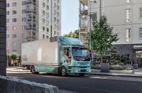 Volvo Trucks gibt den Verkaufsstart seiner Volvo FL- und Volvo FE-Elektrofahrzeuge in ausgewählten Märkten in Europa bekannt, um der steigenden Nachfrage nach nachhaltigen Transportlösungen im städtischen Umfeld gerecht zu werden