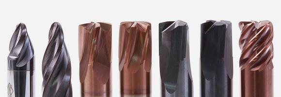 MAPAL präsentiert ein neues leistungsstarkes Programm an Vollhartmetallfräsern, die speziell für den Werkzeug- und Formenbau entwickelt wurden. V. l. jeweils zwei Varianten des OptiMill-3D-CS, des OptiMill-3D-HF-Hardened, des OptiMill-3D-HF sowie der OptiMill-3D-CR-Hardened.