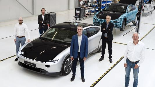 Valmet Automotive has agreed with Dutch start-up Lightyear to manufacture the exclusive series of the Lightyear One model. The picture shows the project team at a meeting (left to right): Ville Rantala - Project Manager (Valmet Automotive), Hans Heijmans - COO (Lightyear), Gerard Berkelmans - VP Strategic Sourcing & Procurement (Lightyear), Matti Räsänen - VP Sales (Valmet Automotive), Wim van Stratum - VP Operations (Lightyear