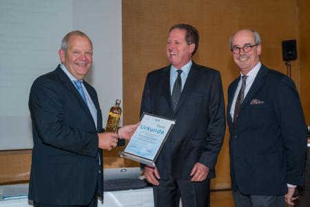 v.l. Dr. W. Alexander Strietholt (Dow Deutschland Anlagengesellschaft mbH, Werk Ahlen), Klaus Junginger (FSK) und Albrecht Manderscheid (Cannon Deutschland GmbH).