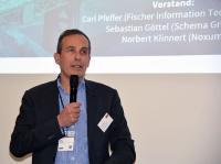 Carl Pfeffer, erster Vorstand der DERCOM, bei der Podiumsdiskussion auf der tekom Jaherstagung 2019