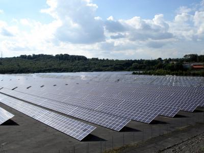 Das Solarkraftwerkfeld in Göttelborn in der Übersicht