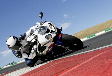 S 1000 RR races to the top of the supersports sales league
