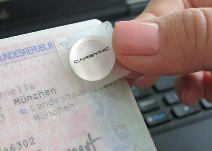 VISPIRON CARSYNC: Label zur elektronsichen Führerscheinkontrolle