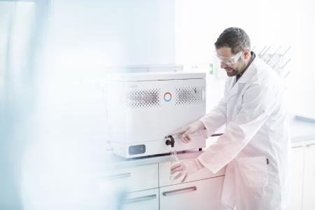 LAUDA erweitert sein Portfolio um hochwertige Destillierapparate mit dem Prädikat »GFL Technology«