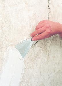 Die Anwendung von 3M Glass Bubbles S28HS in Wandspachtelmassen führt zu einer verringerten Rissbildung beim Austrocknen / Quelle: 3M