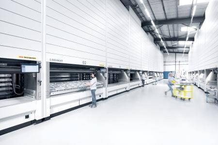 Der Lagerlift LOGIMAT kann als Stand-alone-Lösung, im Verbund und integriert in einer automatischen Anwendung mit Lagerverwaltungs-Software eingesetzt werden