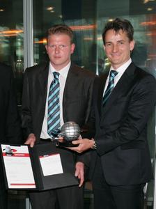 1.Dieter Derr, Geschäftsführer WITTENSTEIN alpha GmbH, und Thomas Krämer, Qualitätsbeauftragter WITTENSTEIN alpha GmbH, bei der Preisverleihung