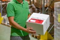 Henkel leistet einen Beitrag zur nachhaltigen Herstellung von selbstklebenden Dokumententaschen der Anton Debatin GmbH. Die Taschen sind weltweit im Einsatz und sorgen für die sichere und geschützte Beförderung von allen Arten von Begleitpapieren und Dokumenten