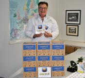 600 Tafeln Merci-Schokolade verteilte Albaad Deutschland Geschäftsführer Wolfgang Tenbusch zu Ostern. Mit den Löhnen und Gehältern für Mai wurde die steuerfreie Zulage an die Mitarbeiter ausgezahlt.