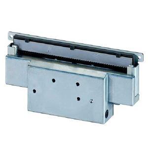Linerless Cutter von Hengstler verhindern aufgrund ihrer Schnittstärke und der speziellen Papierführung ein Ankleben der Etiketten am Abschneider